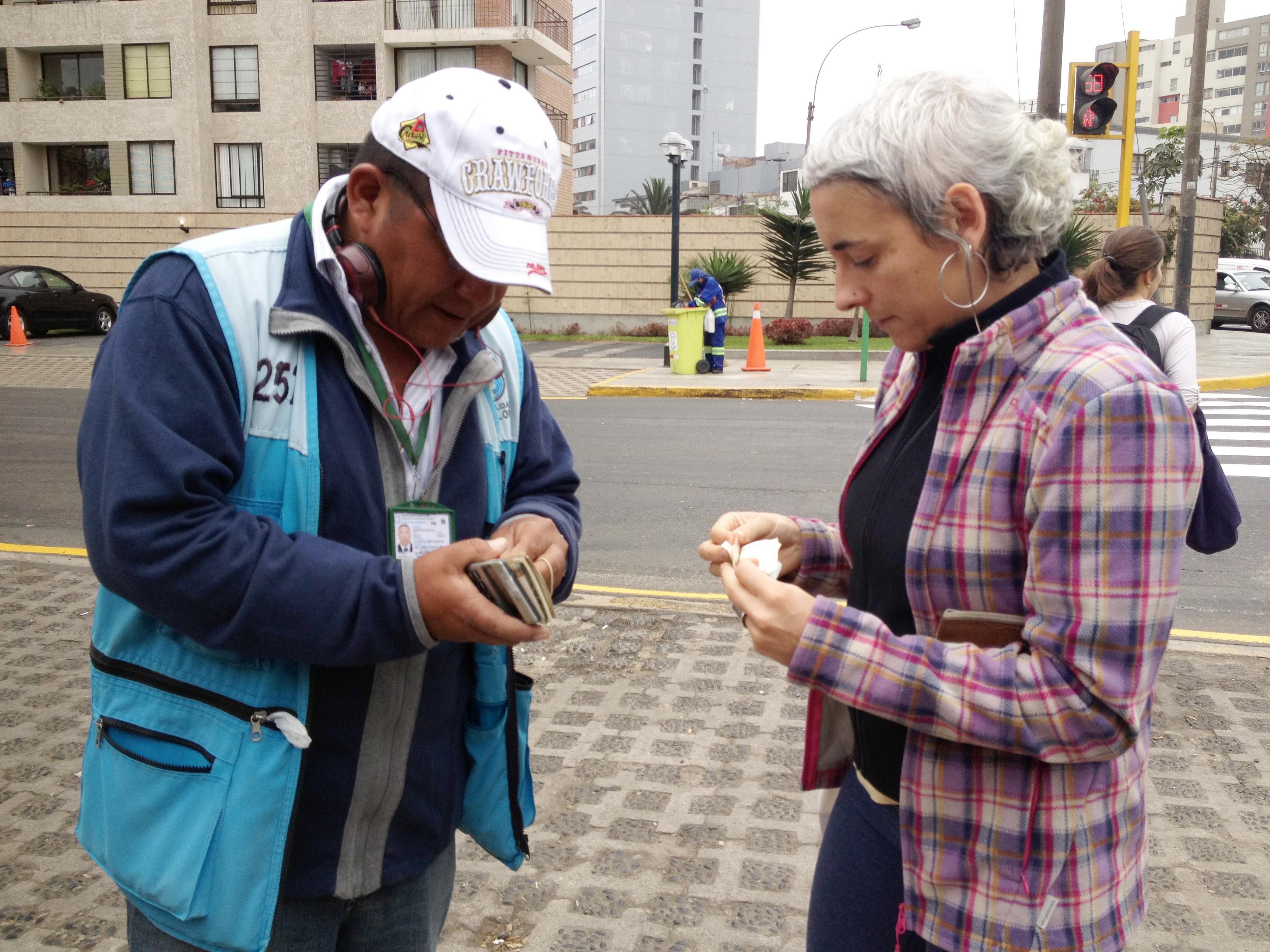 Peru 2013 Lima Natalia y dinero