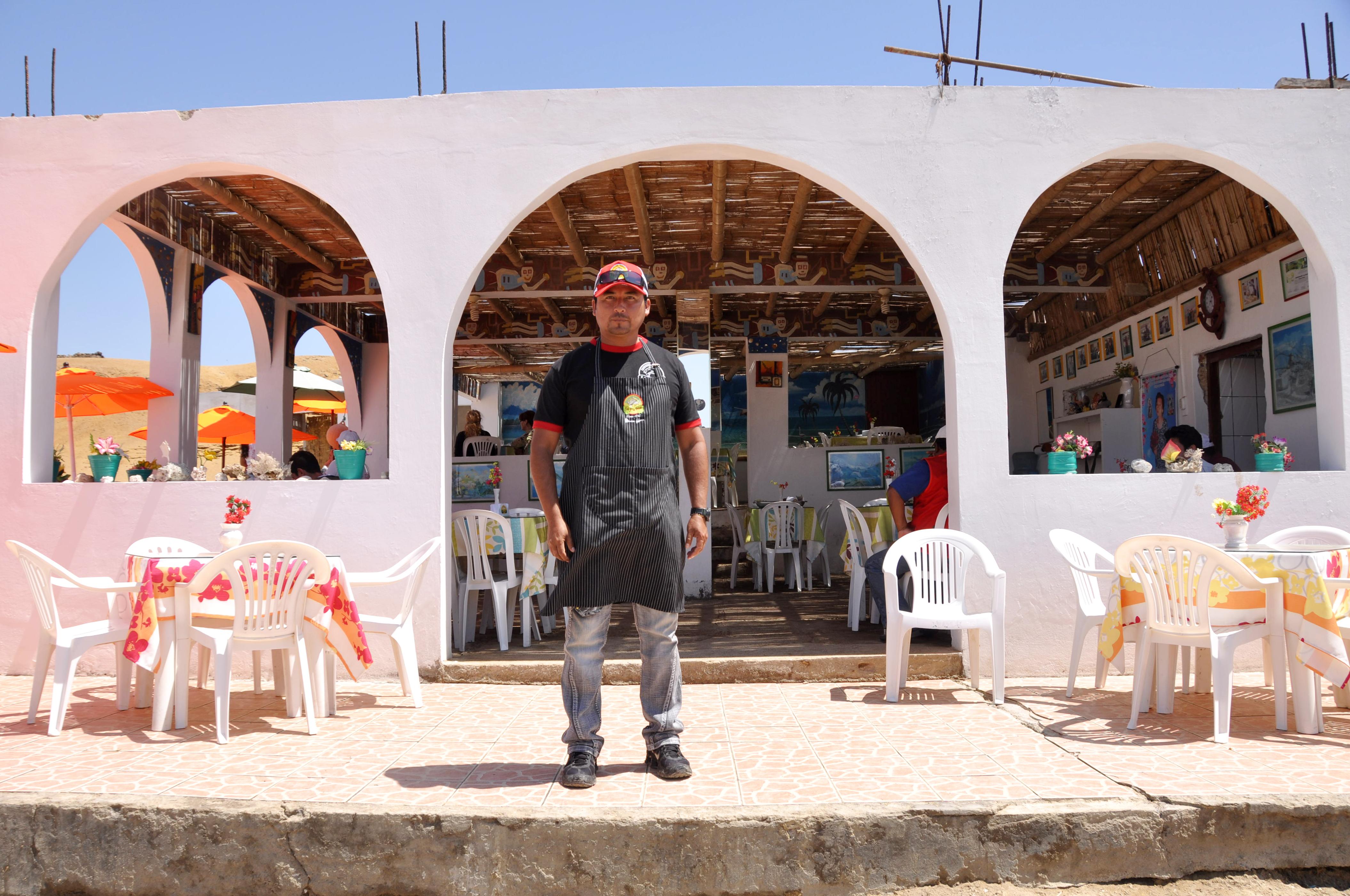 Restaurante La tia Fela. Reserva nacional de Paracas en Lagunillas, Perú. Sonsoles Lozano