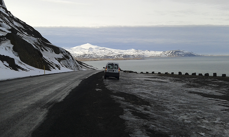 islandia_ Snaeffsnes peninsula_ Mi coche