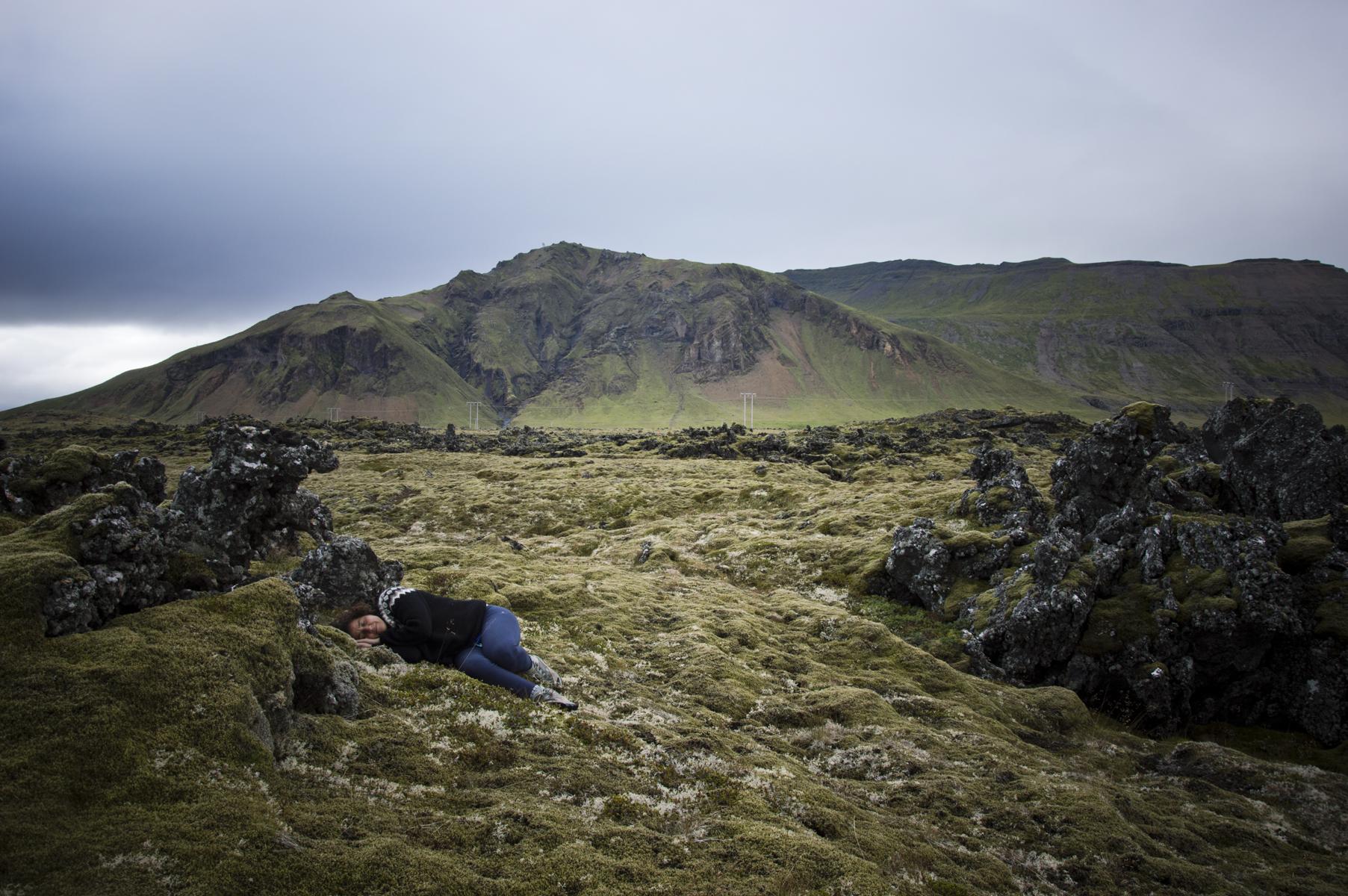 Islandia_yo-durmiendo-en-musgo