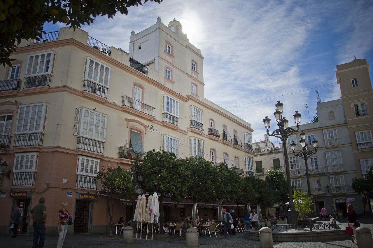 Cadiz-centro-historico-plaza-de-san-francisco-sonsoles-lozano-1