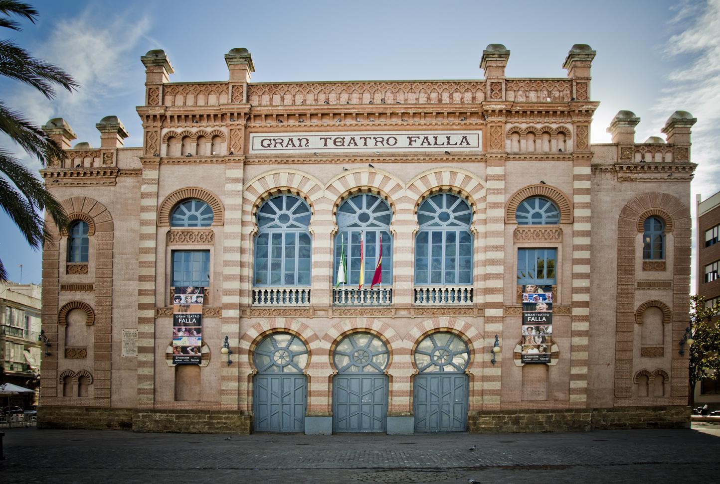 Cadiz-centro-historico-teatro-falla-sonsoles-lozano