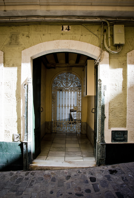 Cadiz-puertas-sonsoles-lozano