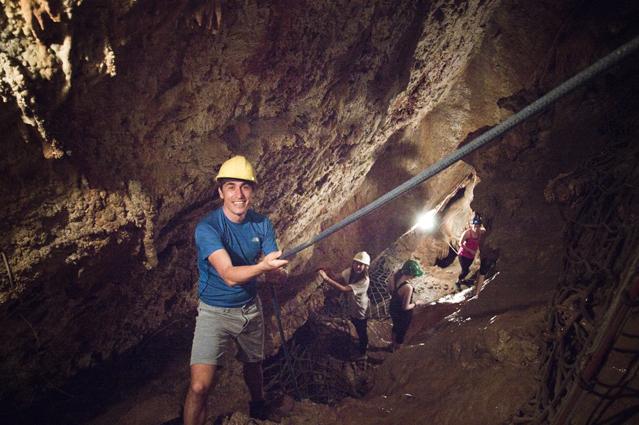 Gibraltar-cueva-san-miguel-bajo_18